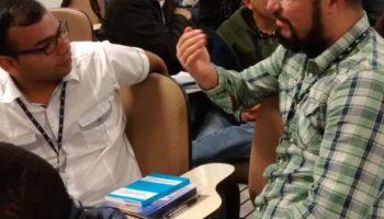 Educação para a comunicação para estudantes de Teologia