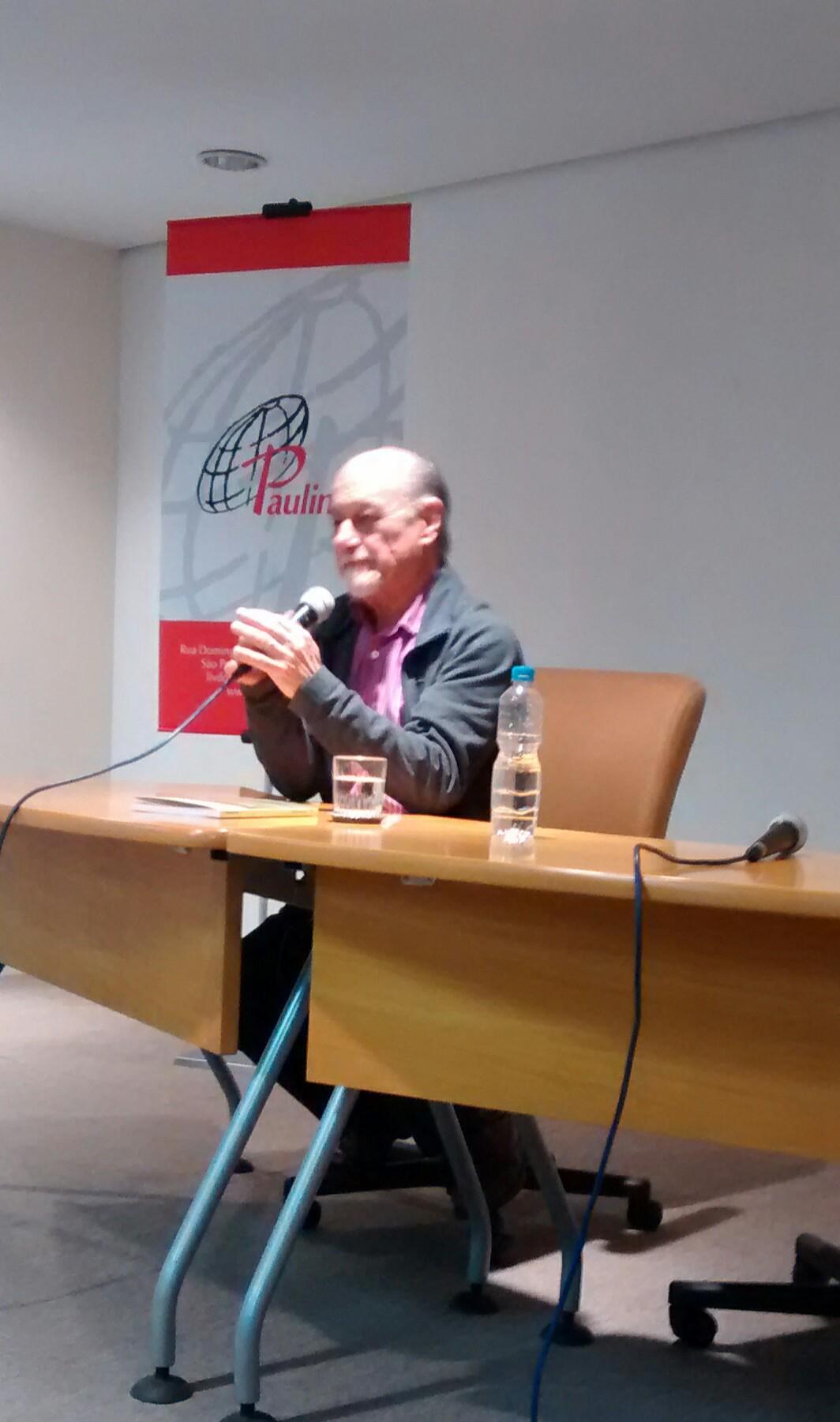 Prof. Dr. Ismar de Oliveira Soares